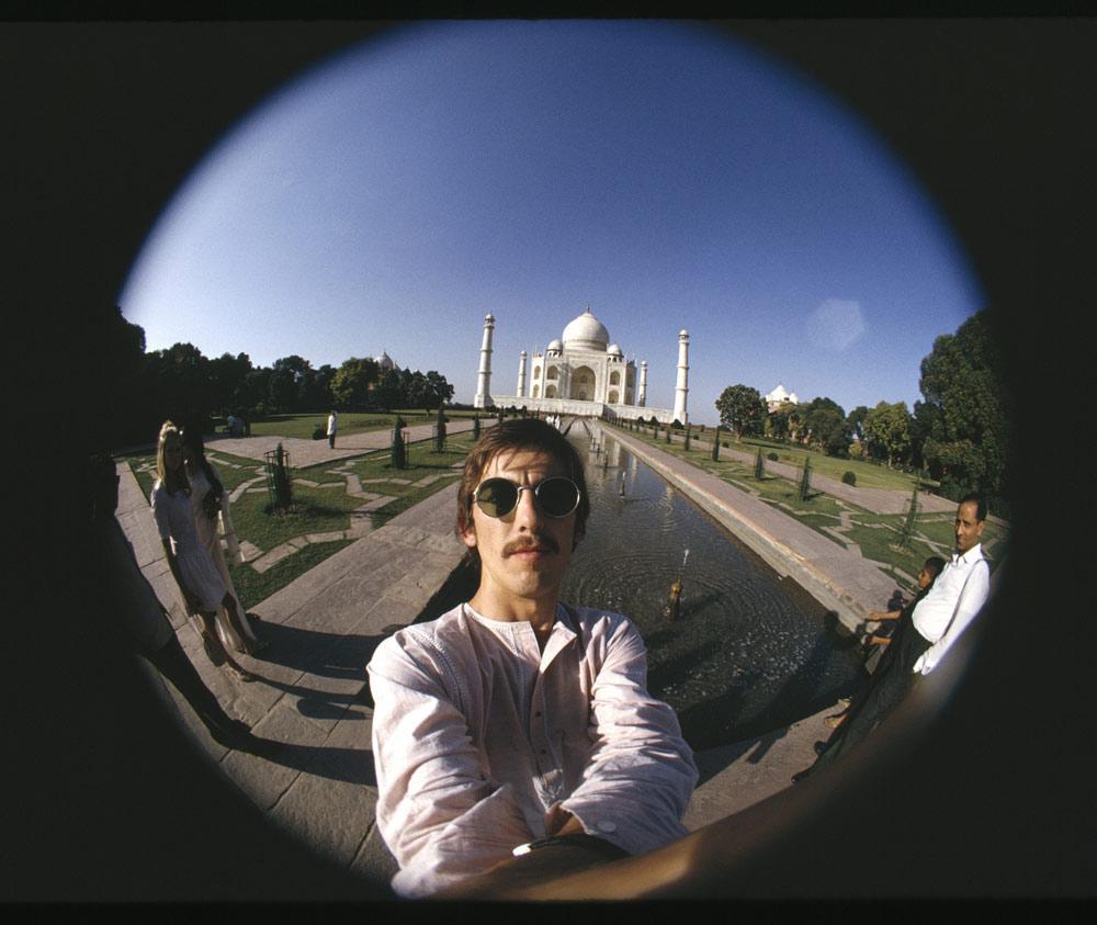 george-harrison-taj-mahal-photo-lens-fisheye-india-beatles-the